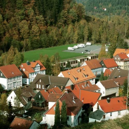 Blick auf den Wohnmobil-Stellplatz vor dem Bromberg