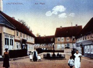 Am Platz gegen 1900, jetzt Rathausplatz